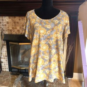 NWOT Lularow Perfect Tee